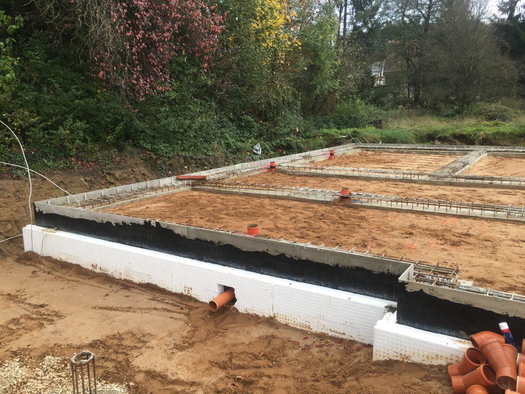 verlegung der abwasserrohre - einfamilientraumhaus - mit noriplana